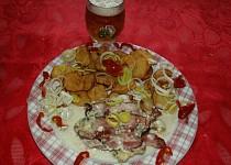 Plněná kapsa anglickou slaninou a syrečkama