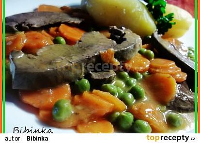 Vepřové srdce s mrkví a hráškem
