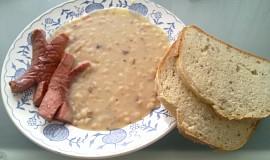 Klasická fazole po hustu s cibulkou