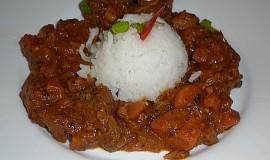 Mafé - hovězí ragú dušené v arašídové omáčce - Senegálský guláš
