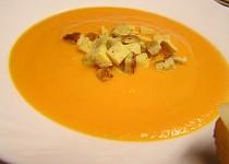Mrkvový krém se sýrem a omeletou