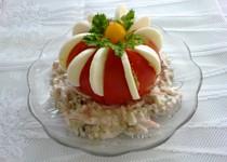 Rajče s vejci a salátem