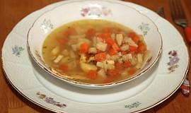 Zeleninová polévka s fritátovými nudlemi