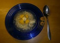 Česnečka s křepelčími vejci