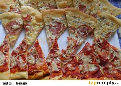 Domácí pizza a la Czech Republic