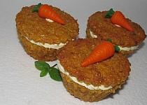 Mrkvové muffiny se zázvorovým krémem