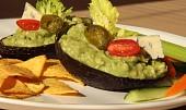 Pikantní avokádový dip s modrým plísňovým sýrem