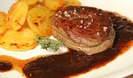 Steak s rozinkovou omáčkou