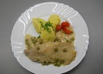 Vepřové s hráškem smetanovou omáčkou a bramborovou kaší