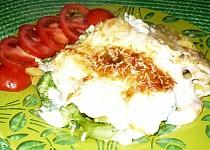 Zapečené brambory s brokolicí v bešamelové omáčce