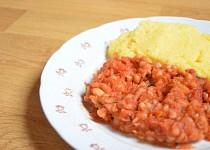 Rajčatové bílé fazole s parmazánovou polentou