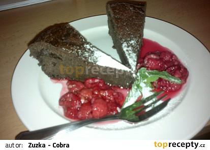 Čokoládový dort s horkými malinami