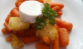 Kořeněná baby mrkev s kozím sýrem