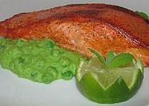 Losos tandoori s hráškovo-mátovým pyré