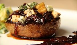 Portobello s karamelizovanou cibulí