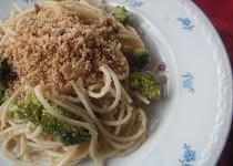 Špagety s brokolicí a ančovičkami