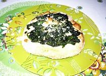Špenátový koláč z kynutého těsta