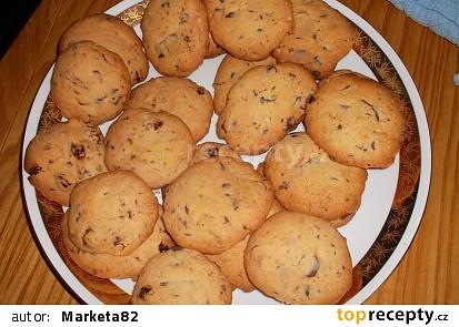 Sušenky s čokoládou a ořechy