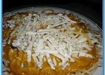 Těstoviny s dýňovou omáčkou a sýrem