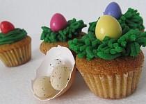 Velikonoční muffinky s bílou čokoládou