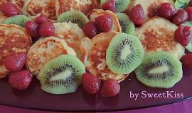 Vláčné lívanečky s ovocem