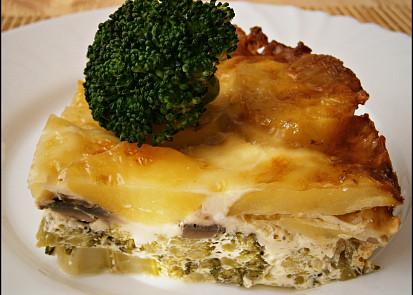 Zapečená brokolice se žampiony a bramborami
