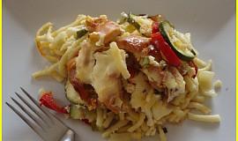 Zapečené špecle s kuřecím masem a zeleninou