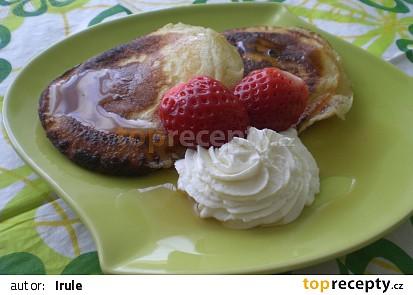 Americké pancakes (lívance) s javorovým sirupem