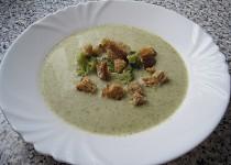 Brokolicový krém s bílým jogurtem