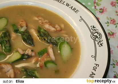 Chřestová polévka s kuřecím masem