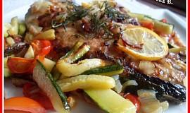 Grilovaný platýz na zelenině