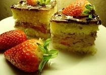 Likérové řezy s jahodami