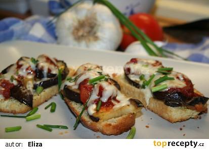 Lilek s rajčaty a česnekem