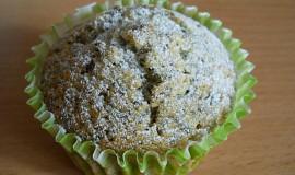 Muffiny s celým mákem a broskví