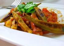 Pecena okra s rajcatovou omackou