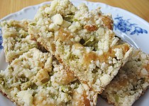Rebarborový koláč z celorznné mouky s drobenkou