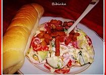 Zeleninový salát s opečenou slaninkou