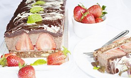Cokoladovo-jahodovy dezert