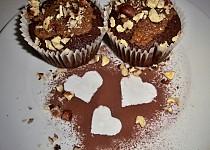 Hruškové muffiny s mléčným karamelem a lískovými oříšky