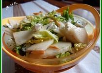 Hruškový salát s mandlemi