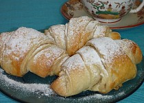 Jednoduché máslové croissanty
