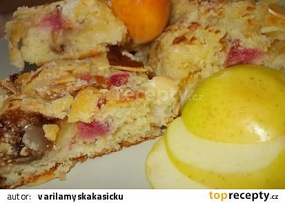 Lehký reveňovo -  jablečný koláč  s  mandlovou drobenkou