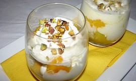 Mango s devonshirským krémem