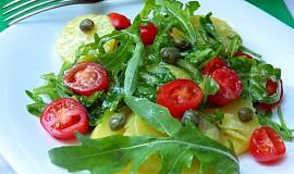 Pikantní bramborový salát s rukolou