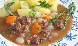 Burgundské hovězí podle francouzské kuchařky -  Boeuf bourguignon