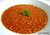 Červená polévka s pohankou