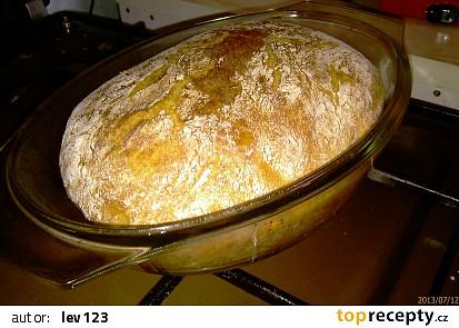 Domácí chleba z trouby