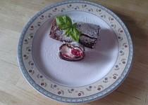 Kakaova omeletka s mascarpono-smetanovym kremem a malinami