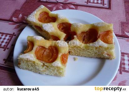 Kefírová bublanina s meruňkami