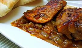 Kuře v pikantní pivní cibuli